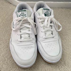 Reebok Club Memt Sneaker Size 10